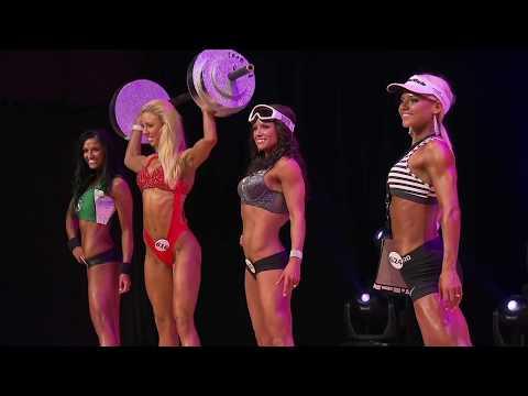 UFE Female Fitness Model: posing & quarter turns