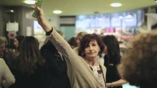 preview picture of video 'Fiesta Alfombra Roja de Caudalíe en la Farmacia Central de Huesca'