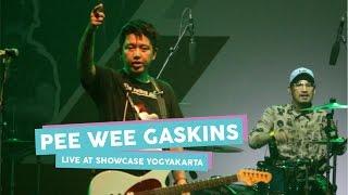 Gambar cover [HD] Pee Wee Gaskins - Aku Bukan Musuhmu (Live at SHOWCASE Yogyakarta, April 2017)
