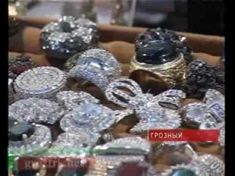Смотреть видео с выставки камней