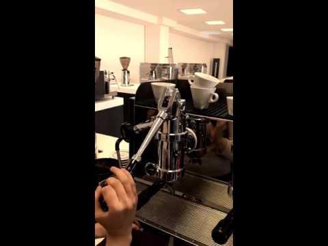 Corso di caffetteria su macchina a pistone by Sepal srl
