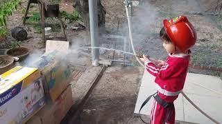 Trò Chơi Bé Tập Làm Lính Cứu Hỏa Đi Chữa Cháy, Đồ Chơi Trẻ Em Xe & Đồ Cứu Hỏa | Kids Toy Media