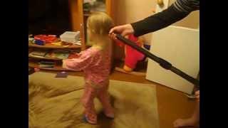 Папа делает дочери суперприческу!!!