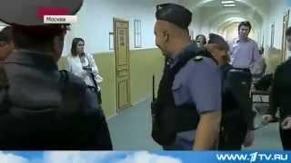 Боксер избивший ОМОНовцев в суде после драки