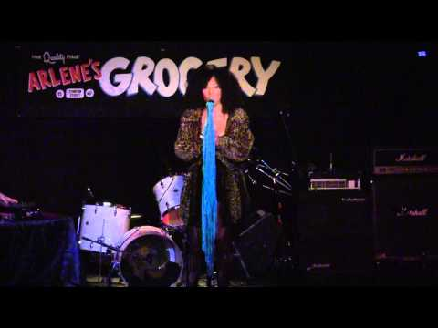 Lea Muses - Stay The Way You Are LIVE at Arlene's Grocery with Dj Modabot - Drum N Bass REMIX