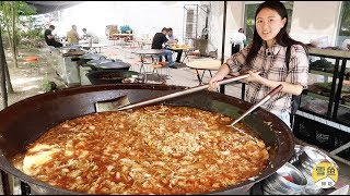 China Insane Street Food -A big pot of vegetables and meat+eat unlimited only for 10 yuan