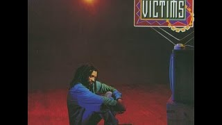 LUCKY DUBE - Johnny (Victims)