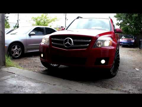 Red Mercedes-Benz GLK 350 on 22's