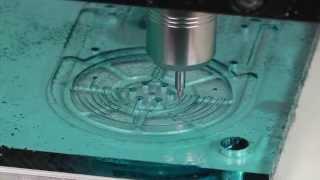 CNC-Fräsmaschine DATRON M8Cube - Hochgeschwindigkeits-Fräsen Von Kunststoff/Acrylglas