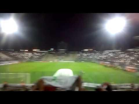 """""""Colo Colo vs At. Mineiro, salida del Cacike 11-3-2016."""" Barra: Garra Blanca • Club: Colo-Colo"""