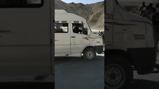 preview picture of video 'Effect of magnetic hill, sightseeing LEH'