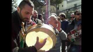 preview picture of video 'canto e ballo sul tamburo festeggiamenti per la Madonna Dell'Arco 2012 Sant'Anastasia'