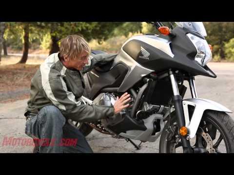 Honda NC700X vs Kawasaki Versys
