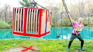 MONSTER IN POND!! (BOX FORT TRAP) - Video Youtube