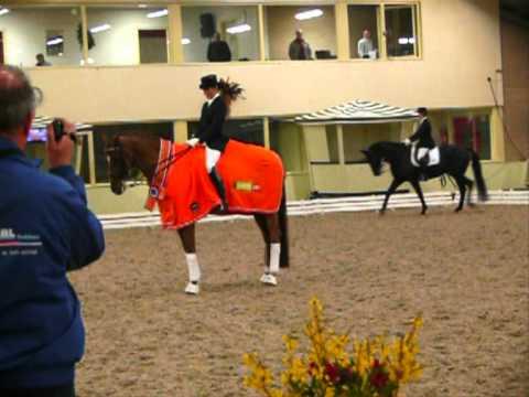 Mieke Verstegen Nederlands Kampioen Dressuur M2 Indoor 2011