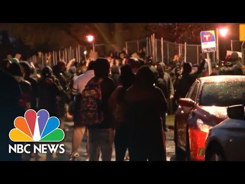 Police Clash With Protesters After Rally For Daunte Wright | NBC News NOW