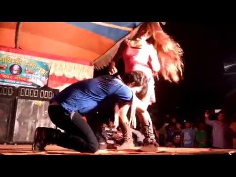 इतना गन्दा डांस स्टेज पर ही करने लगी यह सब खुद ही देखे भोजपुरी सेक्सी आर्केस्ट्रा dance