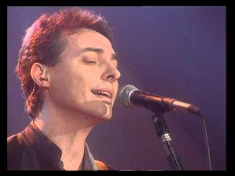 Pedro Aznar video Cuerpo y alma - CM Vivo 1999