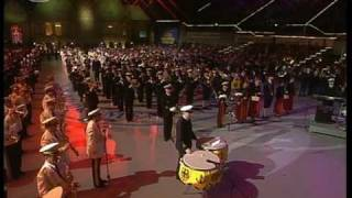 600 Military Musicians perform Unchained Melody