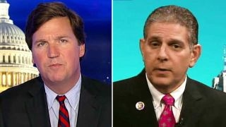 Tucker to sanctuary city mayor: Don't you believe in laws?