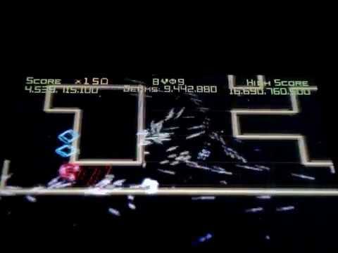 Geometry Wars Galaxies (Nintendo DS) (video 2 part 193)