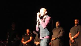 Donnie McClurkin, We Fall Down and Stand (Festival of Praise 2018)