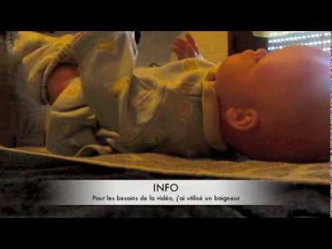 Un petit membre du fils dans la mère en ligne