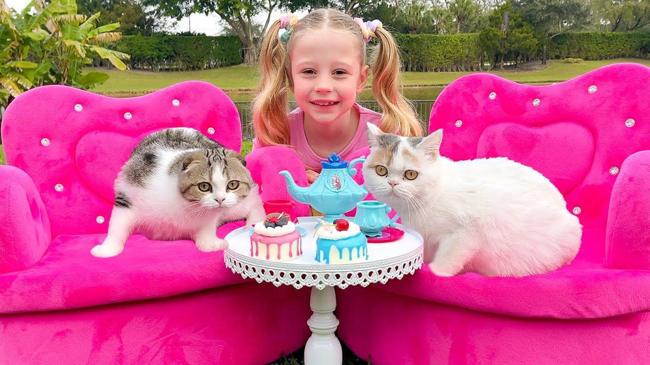 Настя и чаепитие для котят. Nastya and a tea party for her kittens