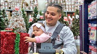 Single Father Takes Daughter Christmas Shopping! *CUTE AF*