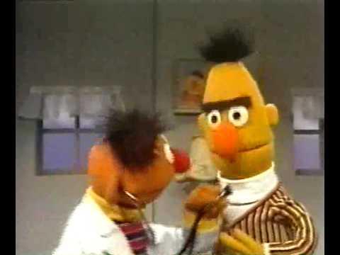 Bert & Ernie - Ernie speelt doktertje