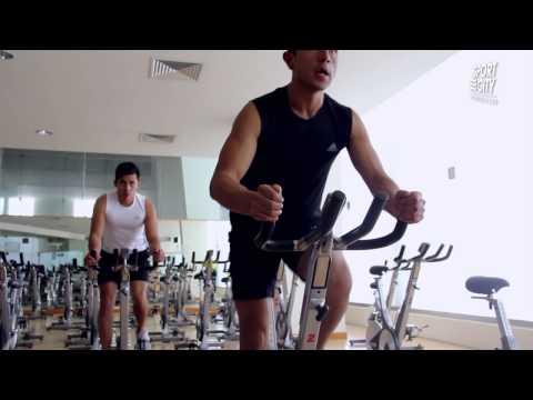 Rutina en bicicleta estática para pérdida de peso