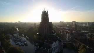 Dordrecht met drone gefilmd, vanaf de rivier