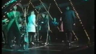 BRYAN FERRY Don't Stop The Dance TV 1985 performance