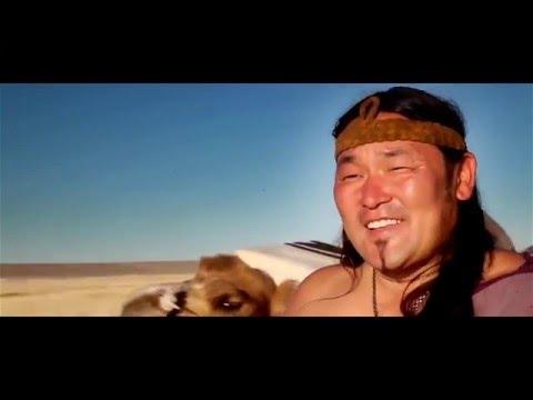 Mongolit lauleskelee