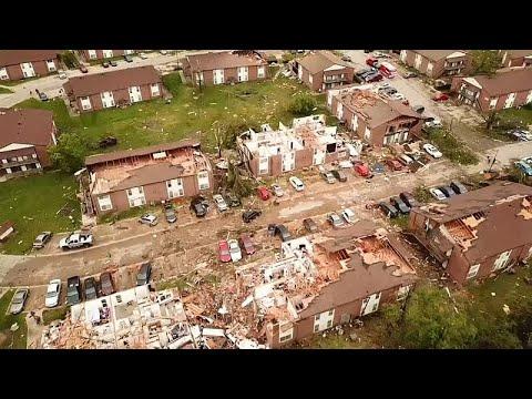 العرب اليوم - شاهد: إعصار في ولاية أميركية يدمر المباني ويقتلع الأشجار ويقتل 3 أشخاص