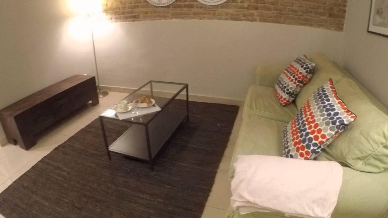 Stylish 1 bedroom apartment with balcony in Gràcia neighbourhood