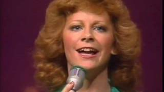 Reba McEntire You Lift Me Up