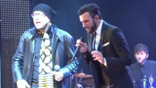 preview picture of video 'Marco Mengoni ft. Mario Biondi - Kiss (Rimini, Capodanno 2013) HD'