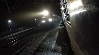 preview picture of video '12334 Vibhuti Express overtaking 63226 MEMU'