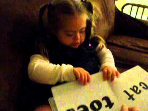 Watch videoSíndrome de Down: Ayelen puede leer - Ingles