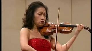 Kyung Wha Chung plays Brahms violin concerto (Mov 3)