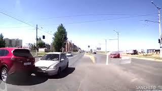 Придурки на дорогах, приколы на дороге 2018 1