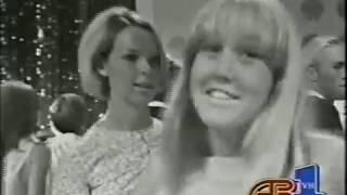 Aretha Franklin - R E S P E C T (stereo) (1967  Bandstand w top 10 countdown)