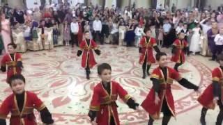 Малыши взрывают Танцпол!!! Анс. Молодость Кавказа !