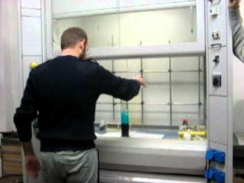 Trattamento di unghie in Donetsk