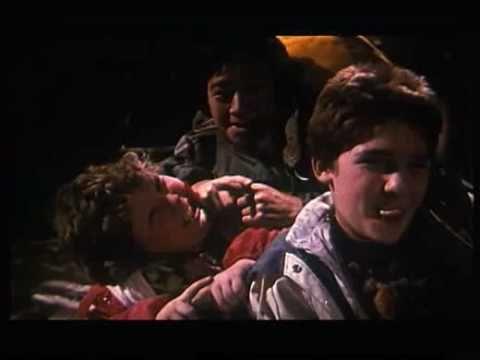LES GOONIES (1985) - Steven Spielberg - bande-annonce VF Francais
