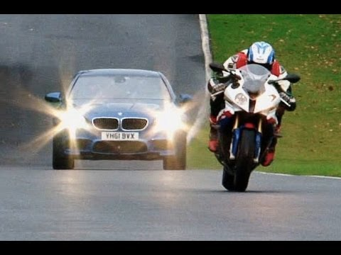 BMW M5 vs BMW S1000RR Superbike