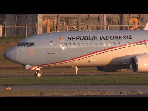 "ᴴᴰ ✈ Indonesian ""Air Force One"" B737-800 Landing"