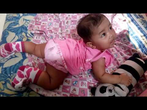 Video Perkembangan Bayi usia 4/5 bulan sudah mulai pintar tengkurap