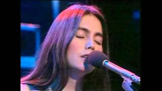 Emmylou Harris - Pledging my love